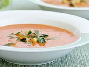 Доматена крем-супа с тиквички