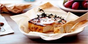 Запечено сирене с мед и мащерка