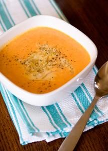 Крем супа от моркови с карамелизирани лукчета