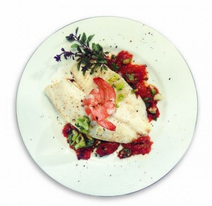 Печена бяла риба с босилек, маслини и бадеми
