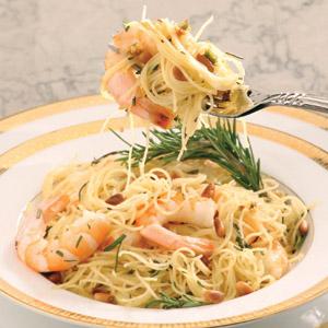 Спагети с винен сос и скариди