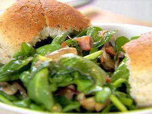 Спаначена салата с бекон
