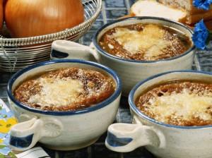 Италианска лучена супа