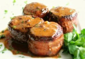 Свинско филе в чеснов сос