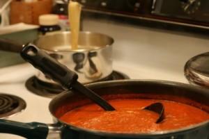 Сос от печени червени чушки