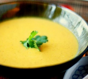Ароматна крем супа от червена леща