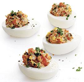 Пълнени яйца с пушена сьомга