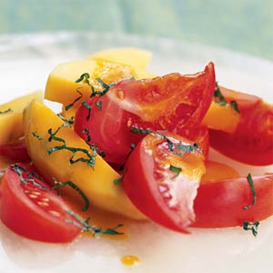 Салата от домати и манго