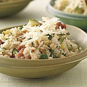 Тиквички с ориз и наденица